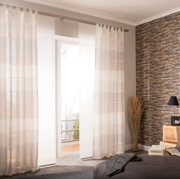 Ready made curtain with loops Lennardt, panel curtain Manhattan and cushion Svenja out of the Homing collection Nature.