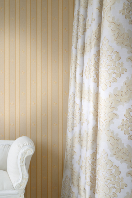 Fuggerhaus wallcovering Lilia Striata which is part of the collection Palazzo d'oro.
