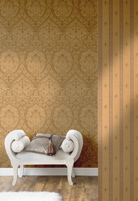 Fuggerhaus wallcoverings Opulenza and Lilia Striata which are part of the collection Palazzo d'oro.