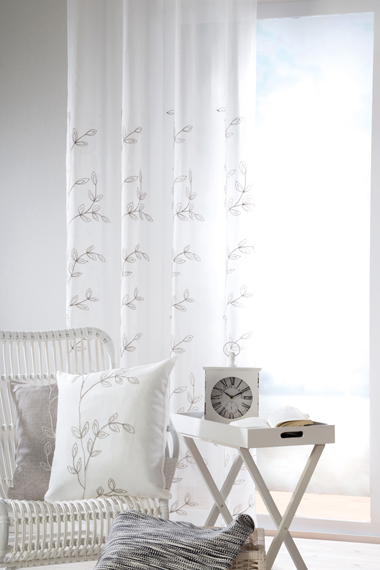Ready made curtain with loops Svea and cushion Svenja out of the Homing collection Nature.